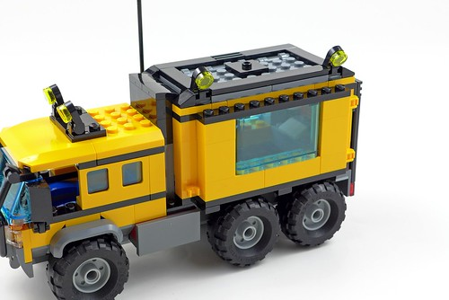 LEGO City Jungle 60160 Jungle Mobile Lab 44