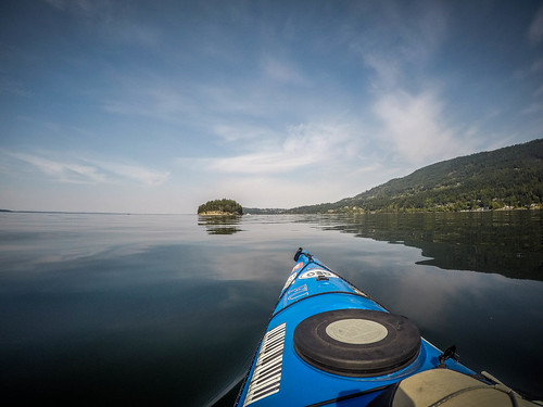 bellinghambay kayaking larrabeestatepark paddling pugetsound washingtonstate bellingham washington unitedstates us