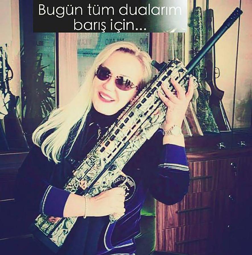Filiz Aker -3