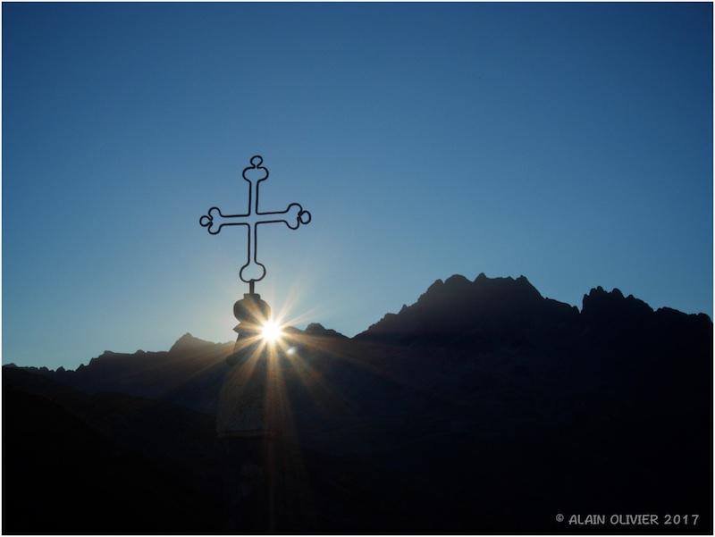 Croix de Fer (le Col au coucher du soleil) 36580443221_4d47b9f321_o