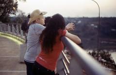 Turistas en el Hito 3 Fronteras