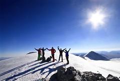 """Mongolei-Trekkingreise. Auf dem """"Dreiländergipfel"""" Nairamdal, 4082 m. Foto: Christine Theodorovics."""