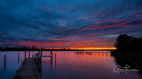 sony a7r2 sonya7r2 ilce7rm2 zeissfe1635mmf4zaoss fx fullframe scenic landscape waterscape nature outdoors sky clouds colors reflections shadows silhouettes sunrise dock pier fishing stuart palmcity martincounty stlucieriver florida southeastflorida