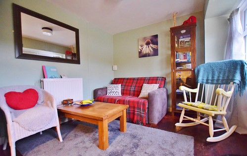 Mill Cottage Bunkhouse - cosy lounge area