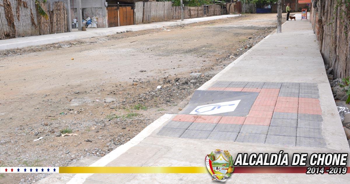 Culmina construcción de aceras, bordillos y servicios básicos en la calle Eugenio Espejo