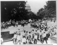 Ex-Servicemen League marches past Capitol: 1932