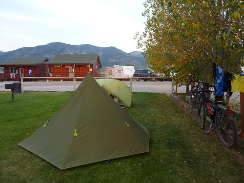 Wolf Den Log Cabin/Motel/RV Park