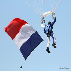 IMG_2389rec Parachutisme voile contact Armée de l'air - Photo of Ladiville