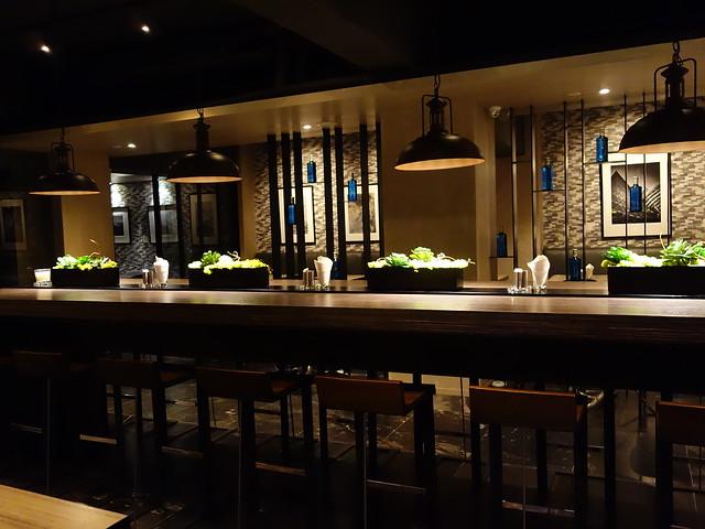 一個人來吃東心也有長桌可坐@高雄喜達絲飯店