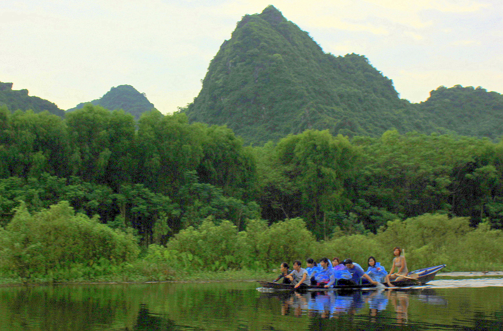A scenic boat ride to Perfume Pagoda