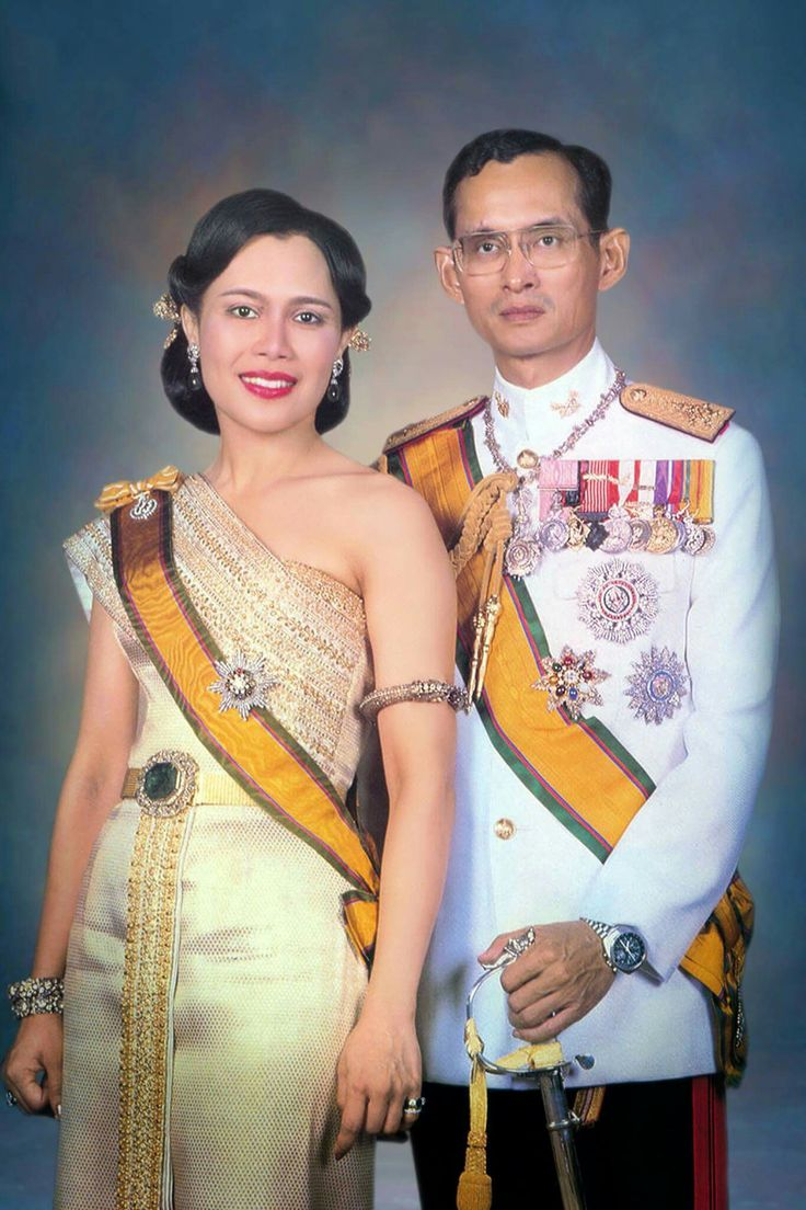 Thai postcard portraying Queen Sirikit and King Bhumipol, circa 1955
