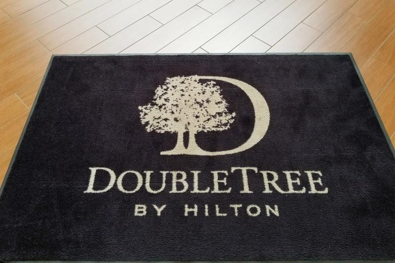 doubletree-hilton-cranberry-pittsburgh-entrance-1