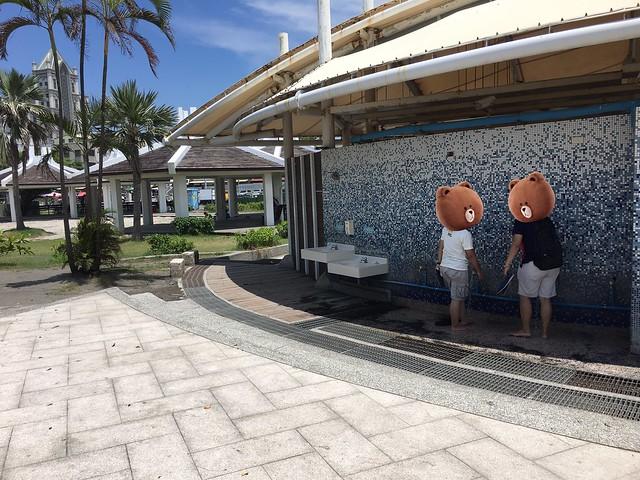 旗津玩沙區旁的沖洗區