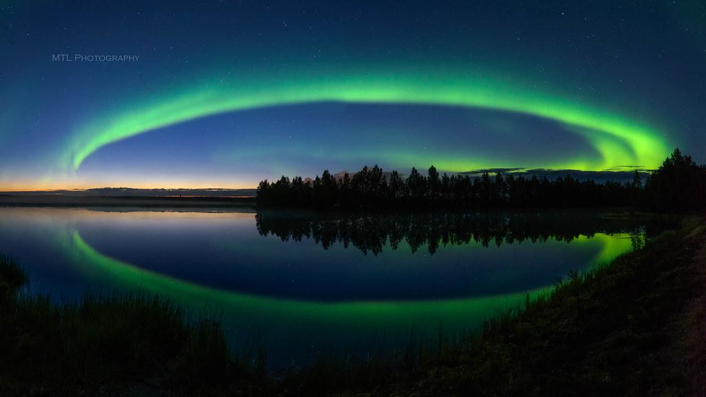 Auroras above River Ii