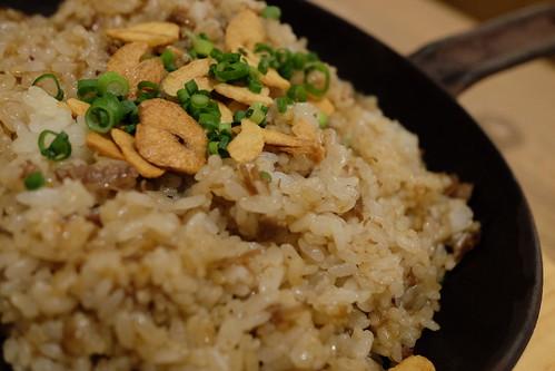牛すじ鉄板ガーリックライスgarlic rice
