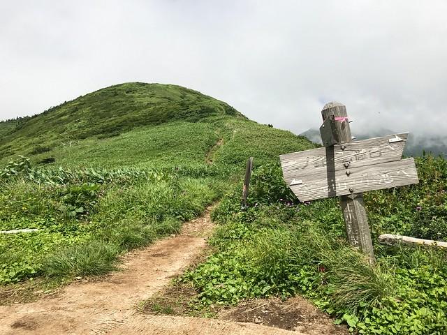 銚子ヶ峰 三ノ峰避難小屋から三ノ峰