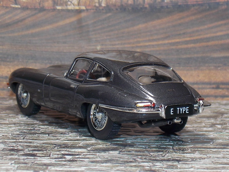 Jaguar E-Type - 1961 - IXO