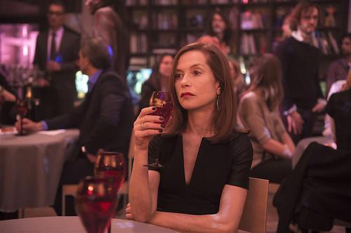 映画『エル ELLE』 © 2015 SBS PRODUCTIONS – SBS FILMS– TWENTY TWENTY VISION FILMPRODUKTION – FRANCE 2 CINÉMA – ENTRE CHIEN ET LOUP