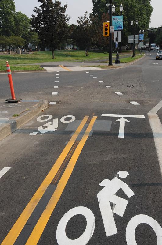 New bike signal Davis and Naito-14.jpg
