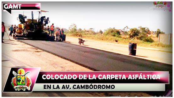 colocado-de-la-carpeta-asfaltica-en-la-av-cambodromo