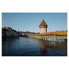 Kapellbrücke, Lucerne Leica Q . #leicaQ #leica #leicacamera #leicaqtyp116 #leicacraft #leica_photos #leica_uk #leica_world #leicaphotography #twitter #sunshine #lucerne #switzerland #enjoy #fun #goodtimes #kapellebrücke #bridge