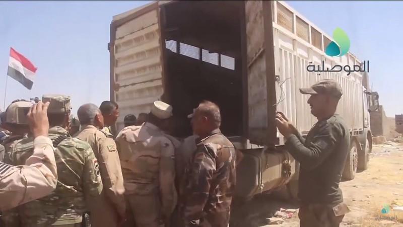 T-55-turret-container-truck-iraq-c2017-spz-1