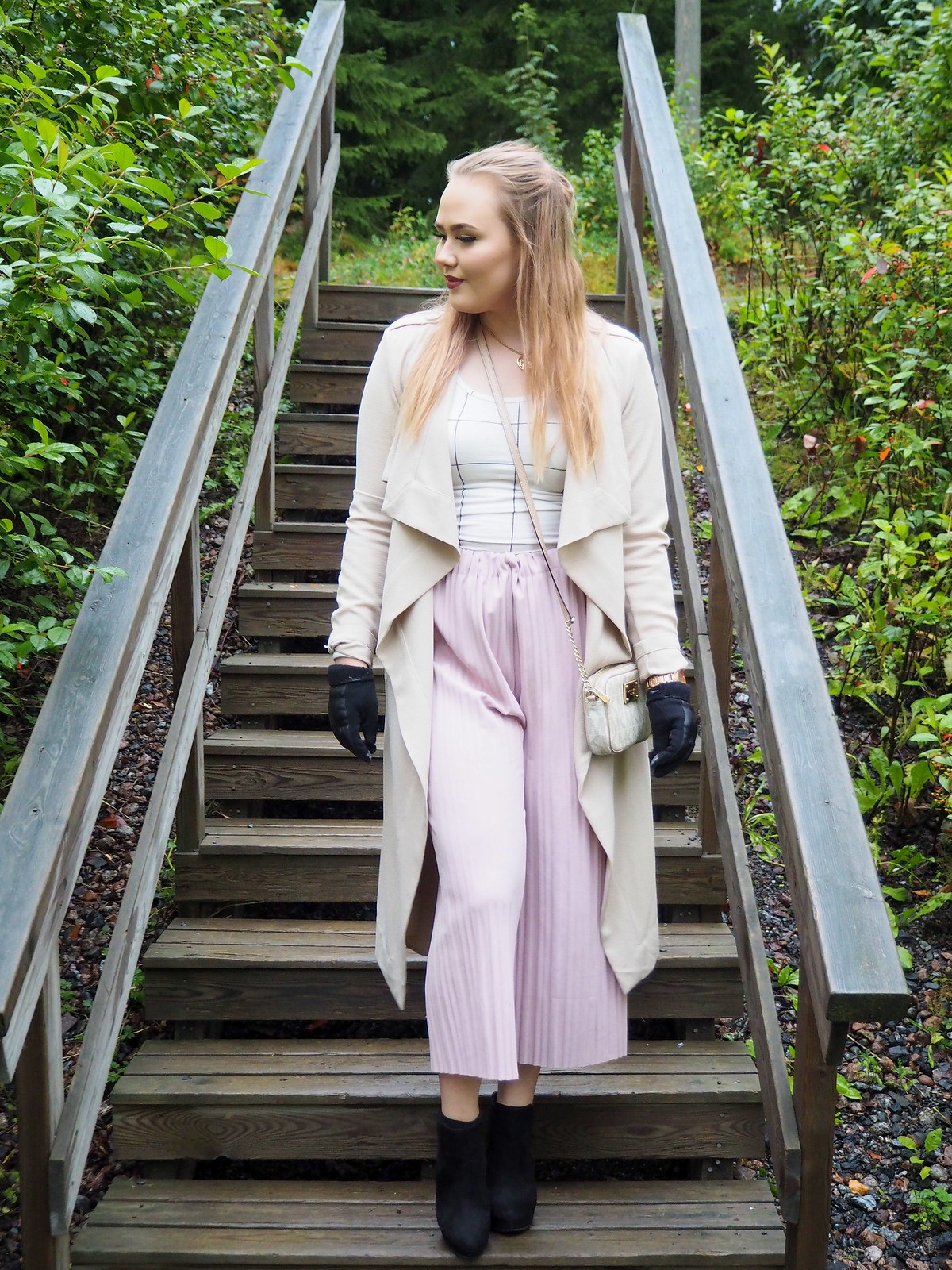 outfit culottes, waterfall jacket, high heels