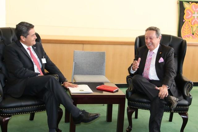 Presidente de Honduras y Secretario General del SICA dialogan en el marco de las Naciones Unidas
