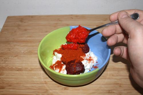 25 - Tomatenmark, Paprika & Paprikamark hinzufügen / Add tomato puree, paprika & mashed bell pepper