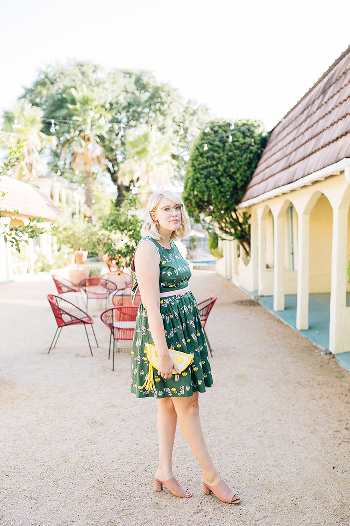 writes like a girl austin style blog aglow in the moment modcloth dress3