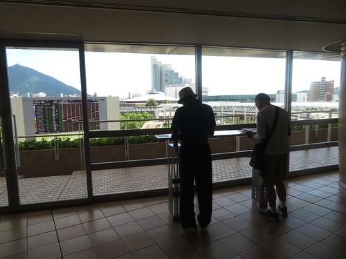小倉競馬場の4階下見所バルコニー周辺