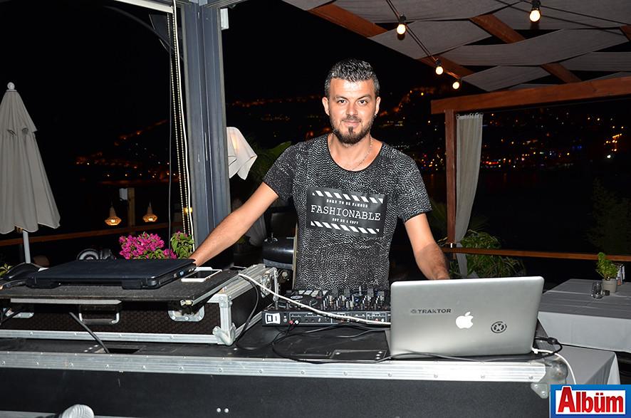 DJ Suat Ünlü