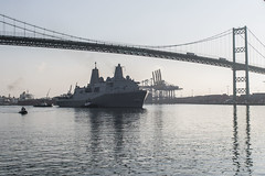 USS Anchorage (LPD 23) departs the Port of Los Angeles, Sept. 5. (U.S. Navy/MC3 Christopher A. Veloicaza)