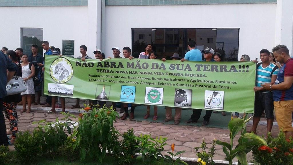 Trabalhadores rurais da região fazem ato de protesto contra o Incra