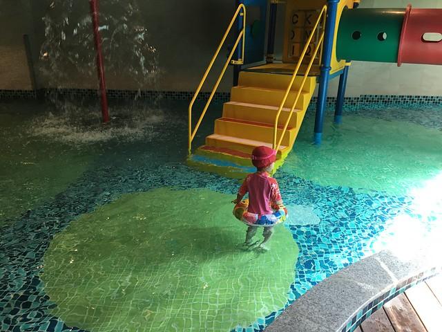 兒童池,池水比較冷@屏東恆春墾丁怡灣渡假酒店