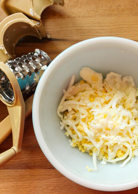 President's Choice Blue Menu Peeled Hard-Boiled Omega-3 Free-Run Eggs