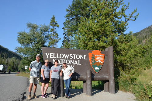 Yellowstone NP Sandy Tammie Linda and Pierre