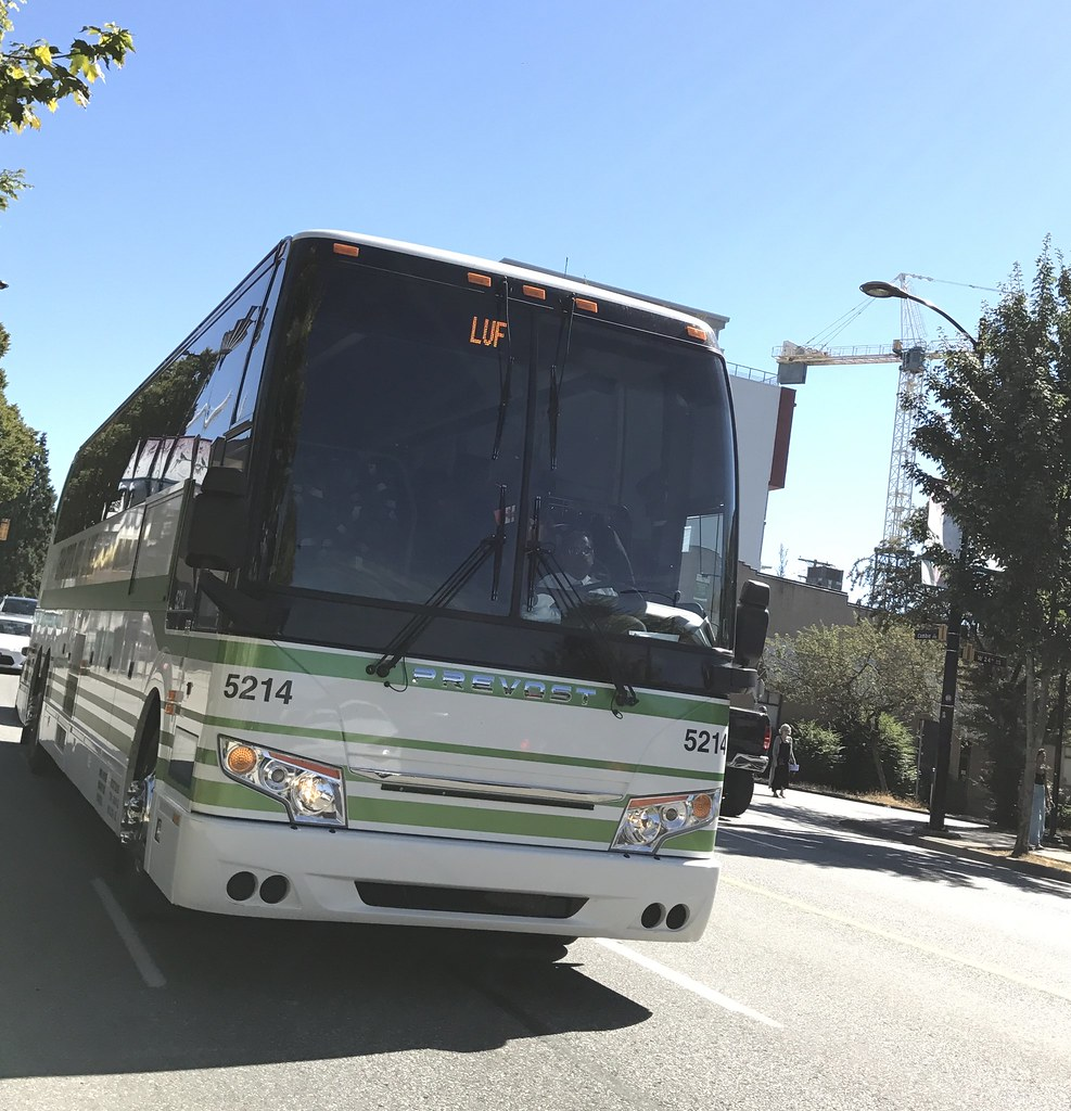 Charter Bus Lines of British Columbia - 5214 Prevost H3-45
