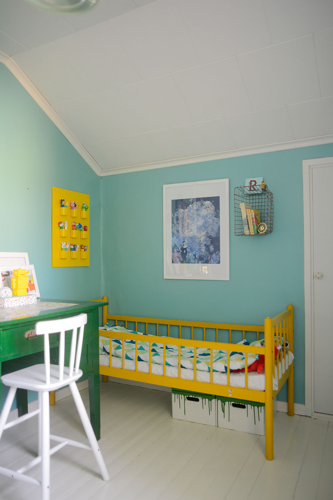 Colorful vintage style kids room