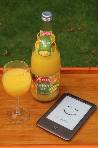 Orangensaft zur morgendlichen Lektüre