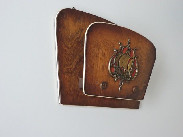 vintage zeitungshalter wand holz schiff marine motiv 40er 50er jahre ebay. Black Bedroom Furniture Sets. Home Design Ideas