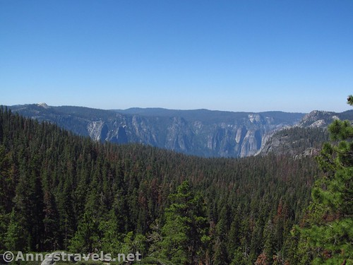 Views from the rocky viewpoint along the North Dome Trail in Yosemite National Park, California