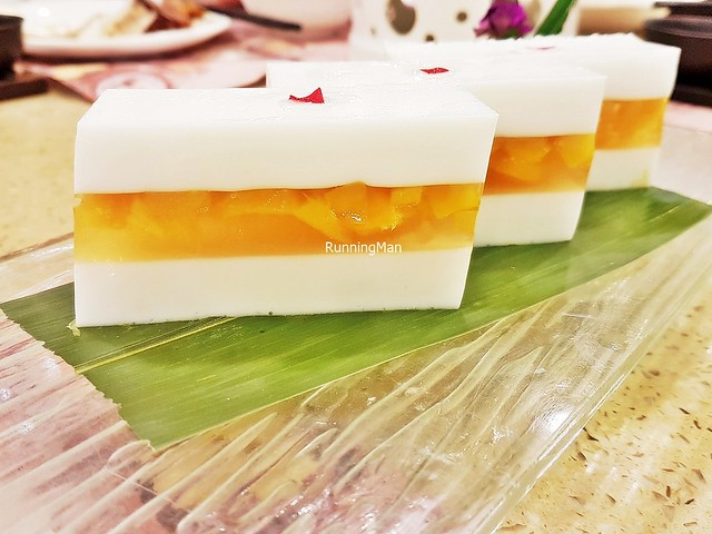 Xiang Mang Coconut Mango Sandwich Cake