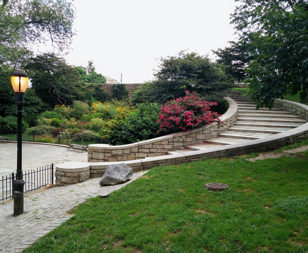 Schurz park