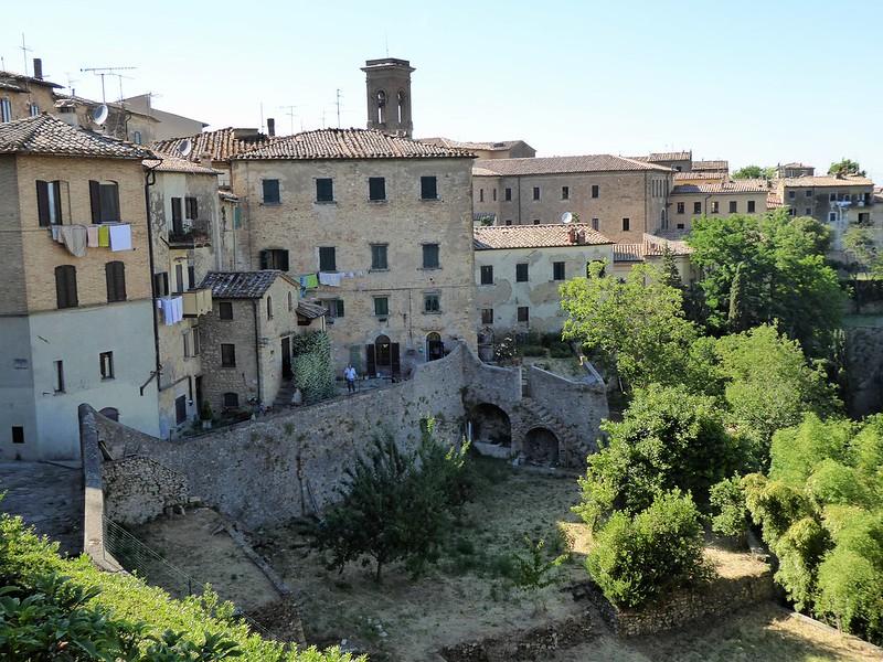 Stadtrundgang durch Volterra.