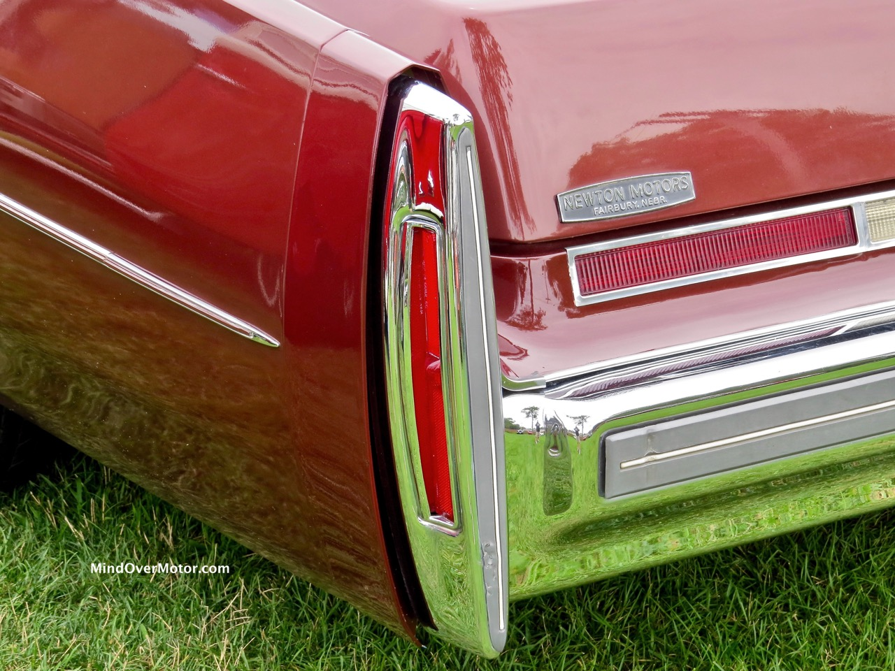 1976 Cadillac Fleetwood Taillight