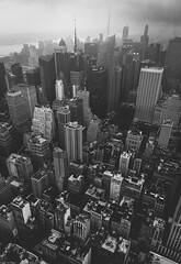 concrete jungle 🍎 Shot this from the top of the Empire State Building in the pouring rain. I was drenched within the first 5 minutes, but no complaints👌