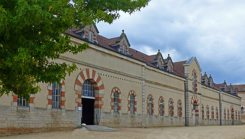 A travers le Bourbonnais, le Beaujolais et la Bourgogne... 37195901401_244cd525ea_c