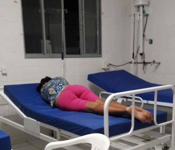 Saúde sem lençol: denúncia revolta Câmara, e repercute na TV; vídeo, Saúde sem lençol em Óbidos