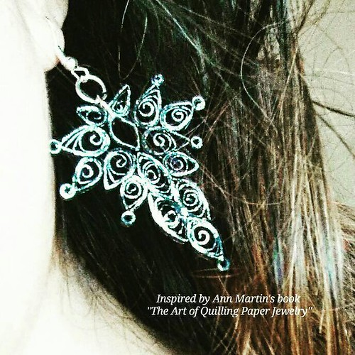#paperjewelry Art Deco Paper Earring, a project in the book, The Art of Quilling Paper Jewelry - made by Pily Núñez of Crea Quilling